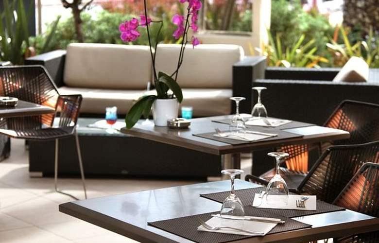 AC Hotel Ambassadeur Antibes - Juan les Pins - Bar - 22
