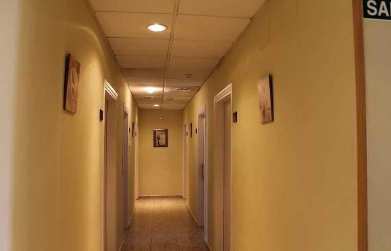 Barajas Plaza - Hotel - 9