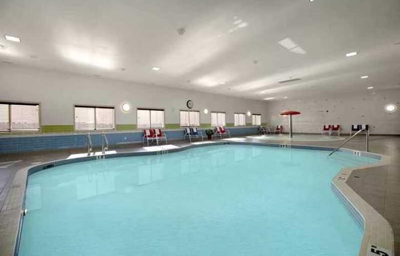 Hampton Inn & Suites Edmonton West - Hotel - 4