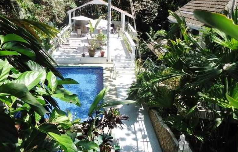 Mandarina - Pool - 37