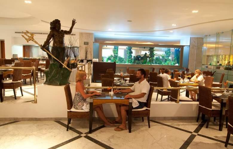 Sunset Royal Beach Resort - Restaurant - 3