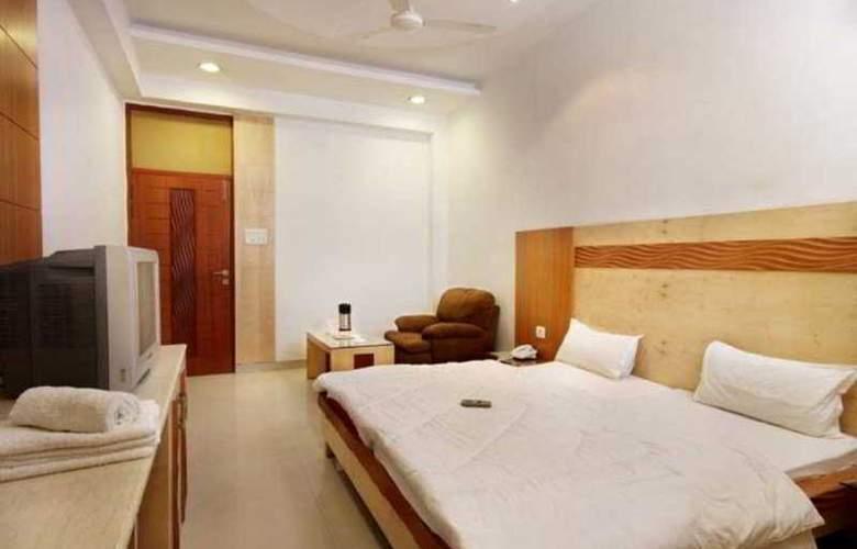 Mandakini Plaza Kanpur - Room - 4