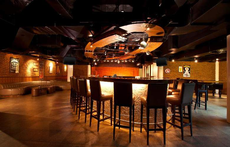 Le Meridien Phuket Beach Resort - Bar - 23