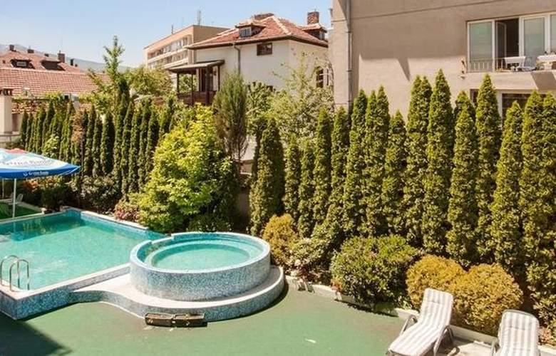 Best Western Hotel Europe - Pool - 43