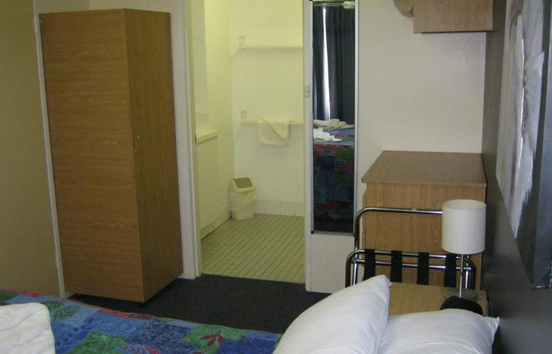City Stay Apartment Hotel - Room - 8