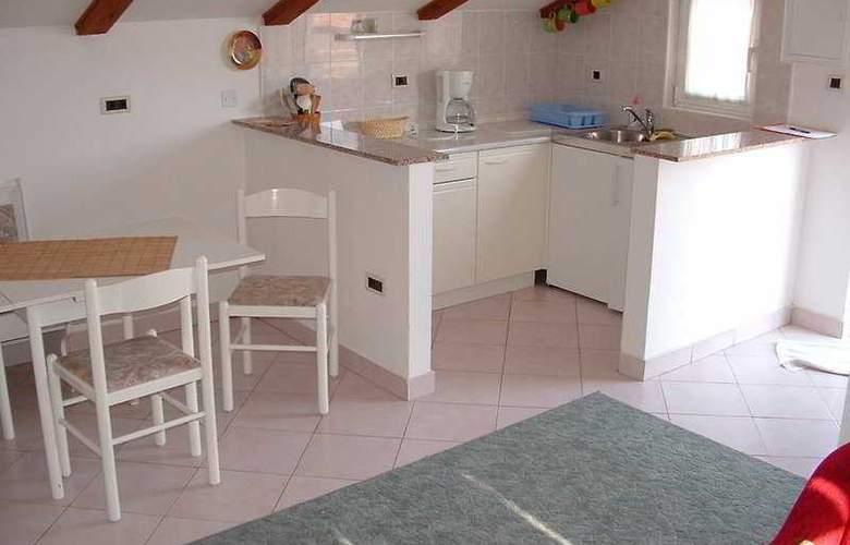 Apartmani Ivanka - Room - 3