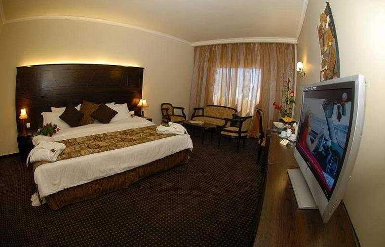 Sunhills Suites - Room - 2