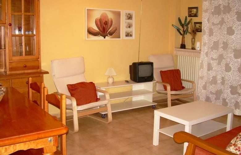Apartamentos Biescas 3000 - Room - 1