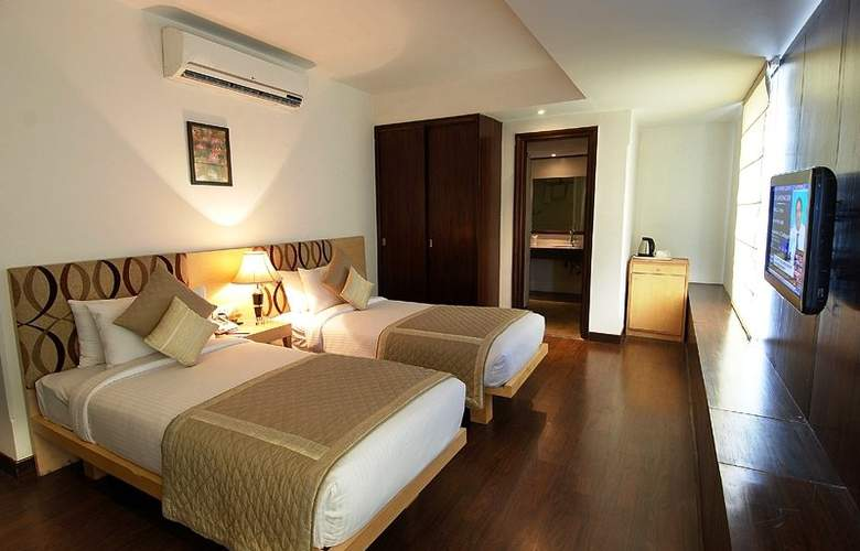 Aarone Residency Airport - Hotel - 1