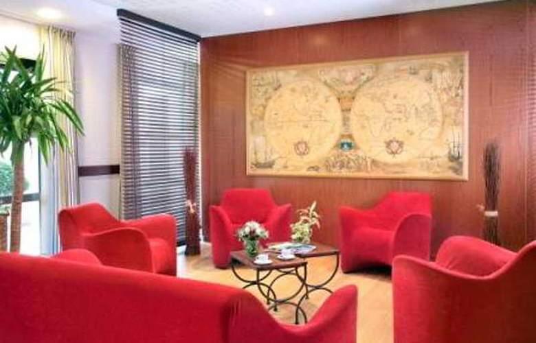 Park and Suites Elegance Saint Nazaire - General - 1