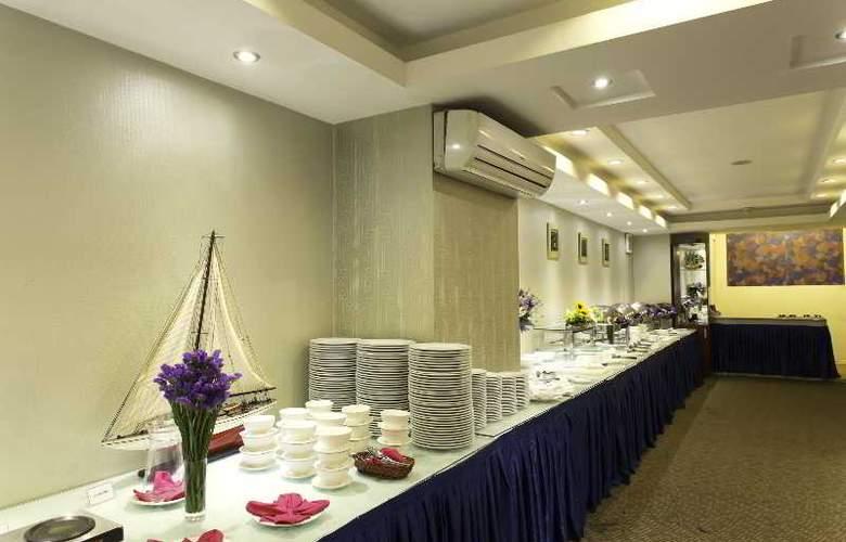 Lavender - Restaurant - 36