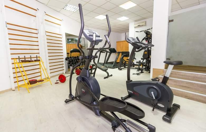 Eix Lagotel Hotel y apartamentos - Sport - 6