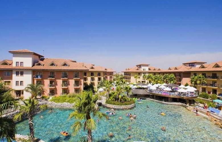 Club Grand Aqua - Hotel - 0
