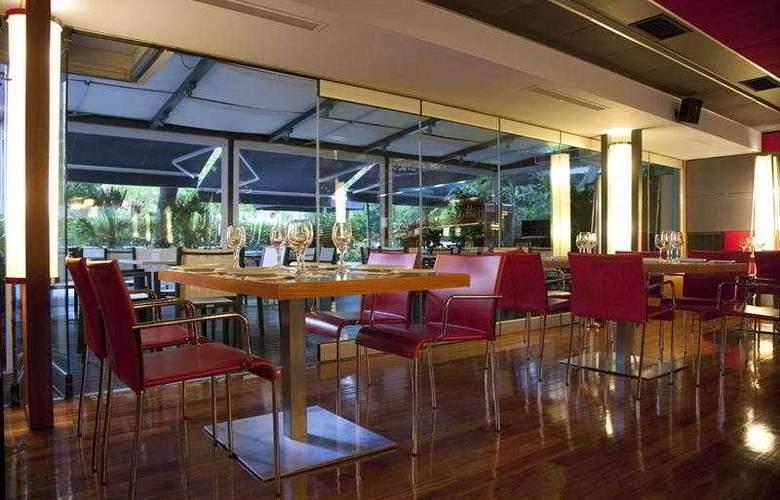 Twentyone - Restaurant - 11