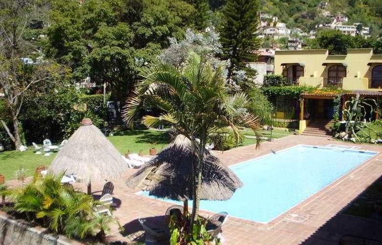 Villa Santa Catarina - Pool - 4