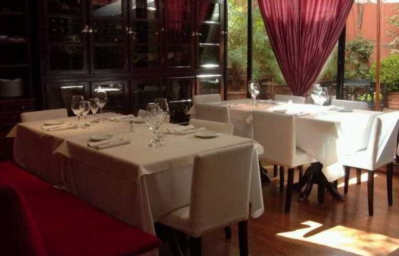 Loi Suites Arenales - Restaurant - 11