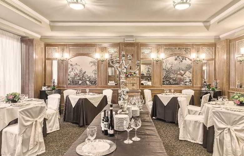 ADI Doria Grand Hotel - Restaurant - 12