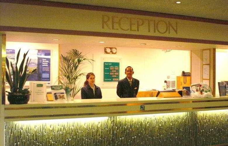 Holiday Inn Taunton M5/J25 - Restaurant - 6
