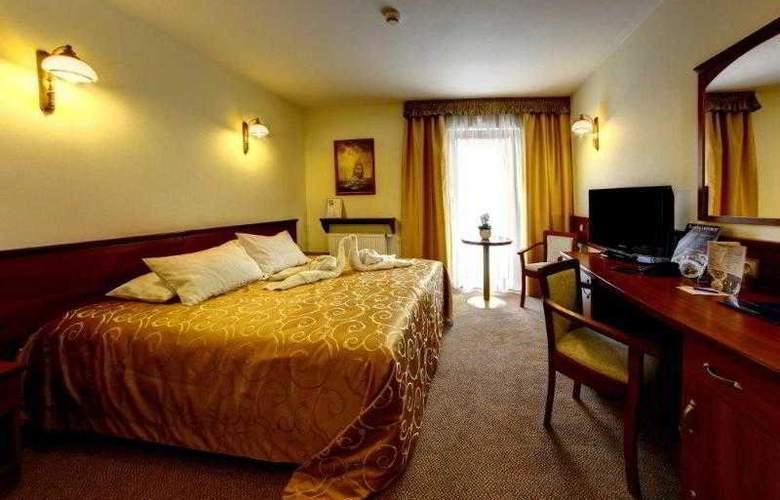 Conrad - Room - 9