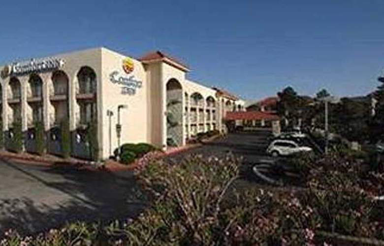 Comfort Inn Airport East - Hotel - 0