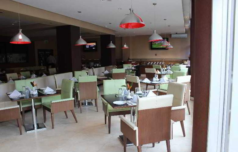 Holiday Inn Dar Es Salaam - Restaurant - 13