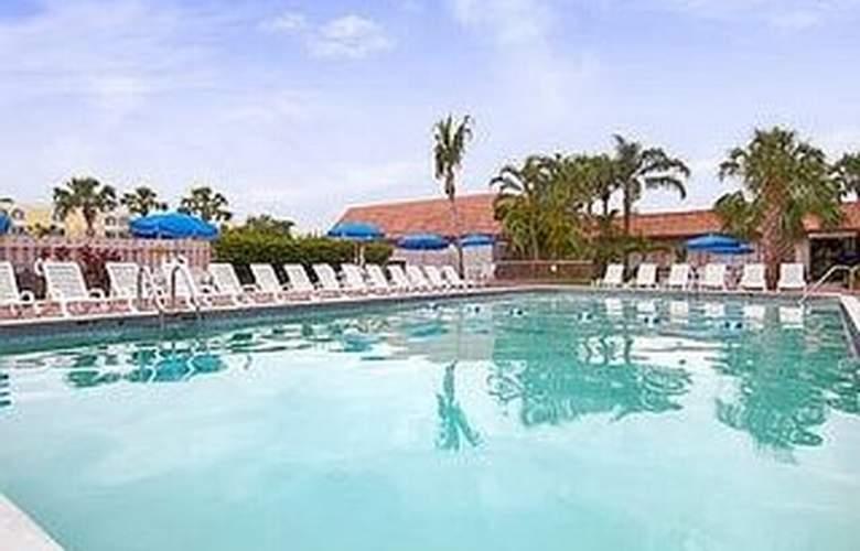 Ramada Plaza Fort Lauderdale - Pool - 5