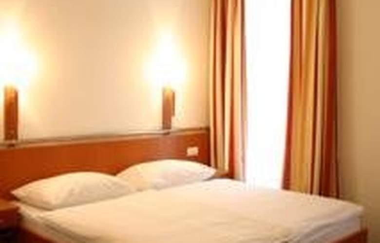 Lucia - Room - 3