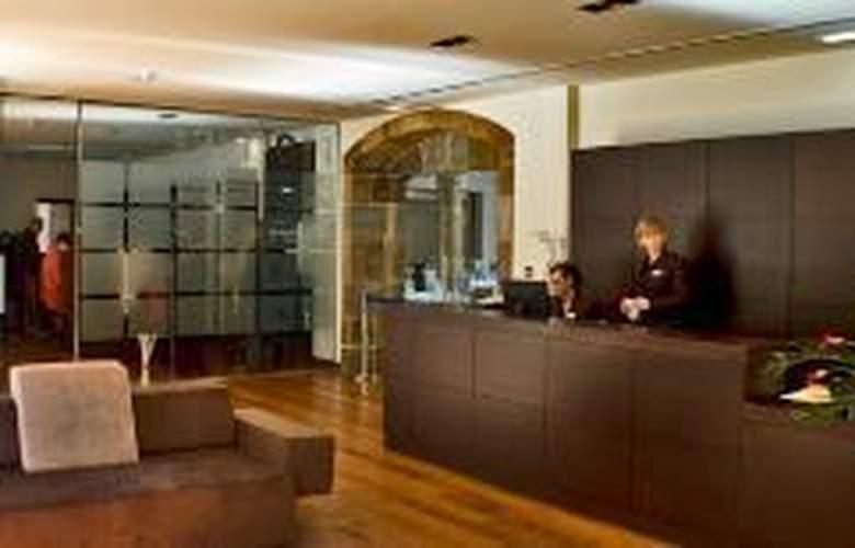 Domus Selecta Palacio De Meras Hotel And Spa - Hotel - 0