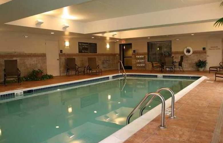 Hampton Inn & Suites Albany Airport - Hotel - 1