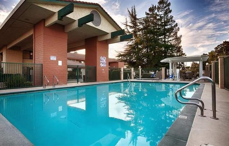 Best Western Plus Orchard Inn - Pool - 45