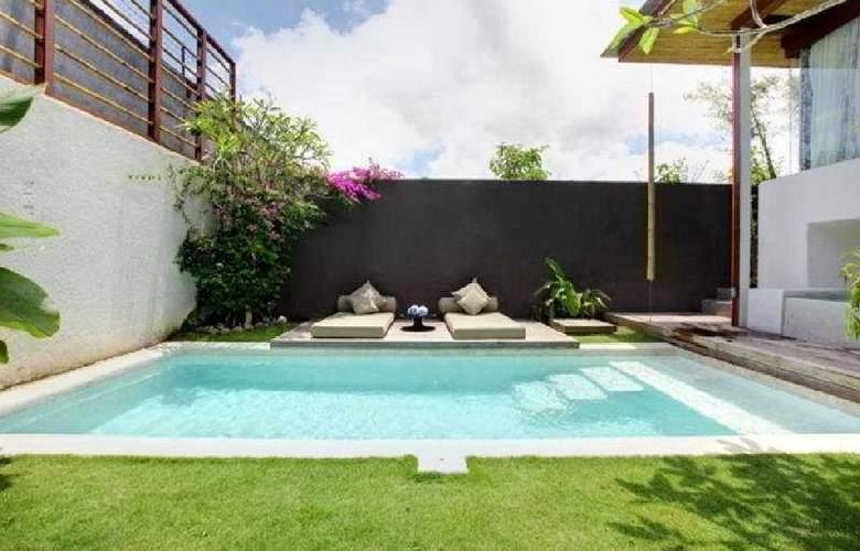 Kiss Bali - Pool - 6