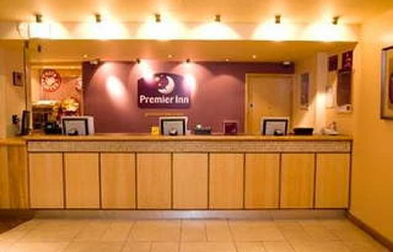 Premier Inn London Hammersmith - Hotel - 4