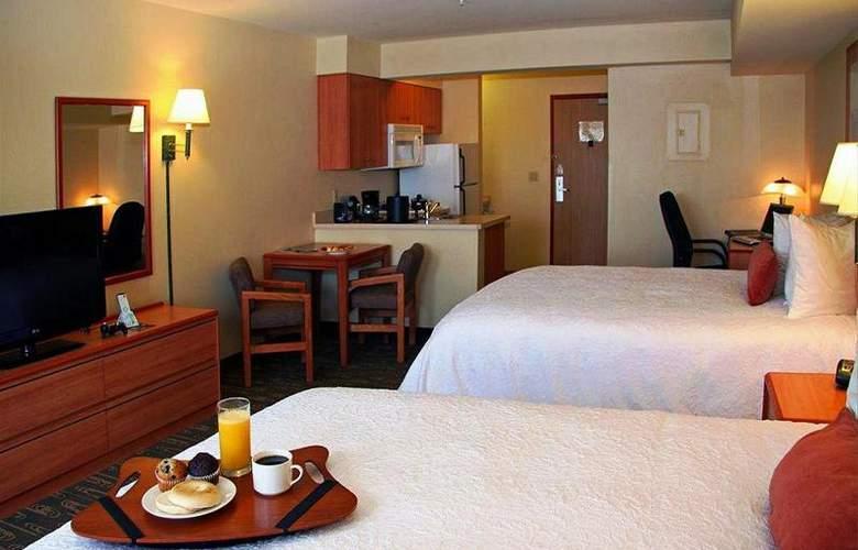 Best Western Plus Navigator Inn & Suites - Room - 15