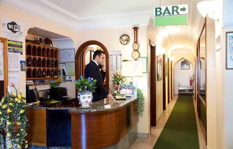 Hotel Carmencita - General - 9