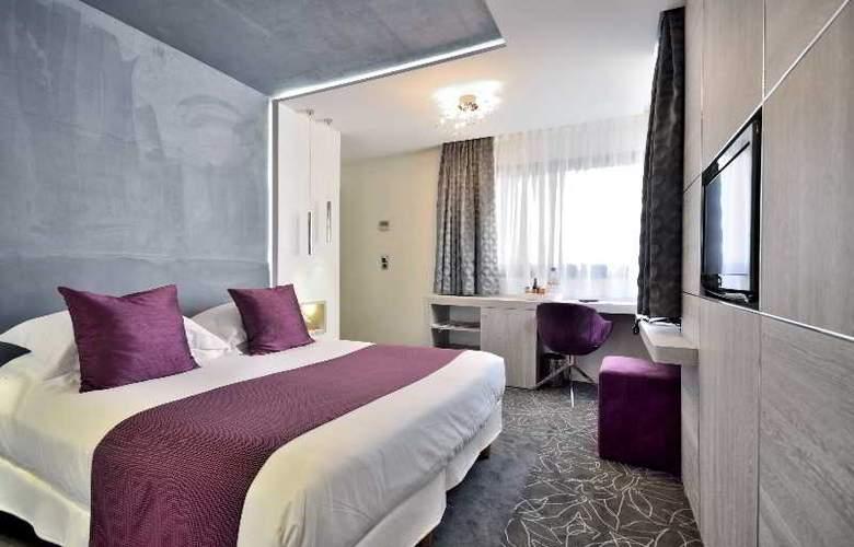 Cezanne - Room - 1
