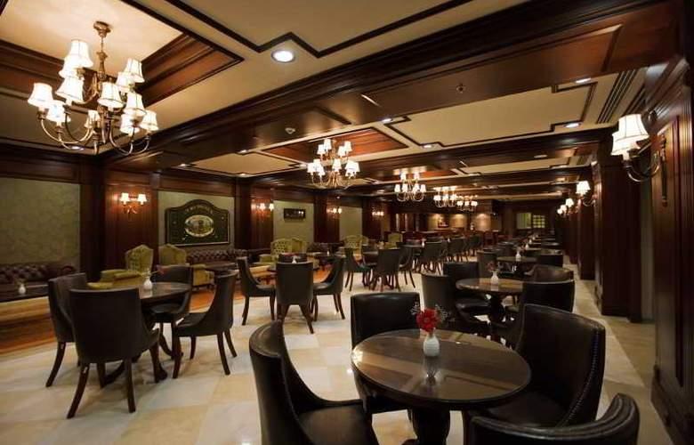 Alva Donna Hotel&Spa - Bar - 24