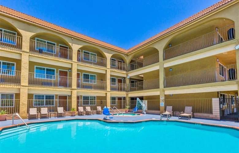 Best Western Plus Miramar - Pool - 1