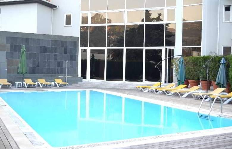 Douro Park Hotel - Pool - 5
