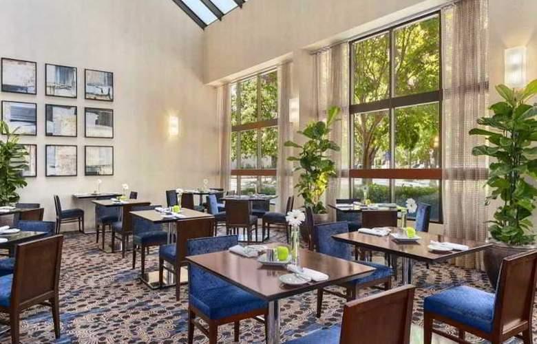 Embassy Suites Santa Clara Silicon Valley - Restaurant - 10