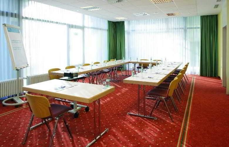 NH Erlangen - Conference - 13