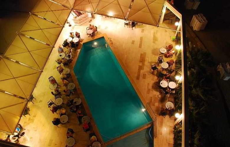 Tuntas Hotel Altinkum - Pool - 21