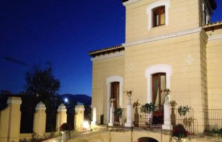 Villa Calandrino - Hotel - 1