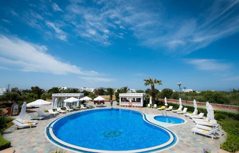 Porto Naxos - Pool - 17