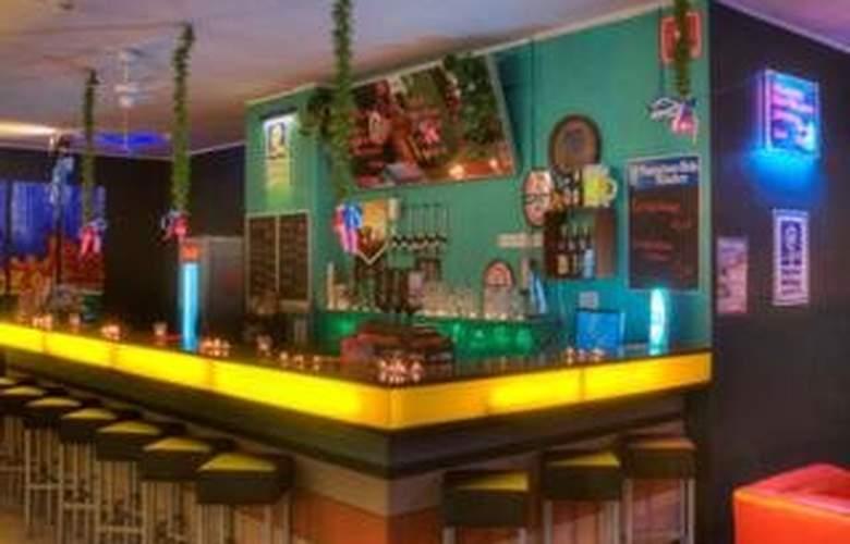 Meininger Munich City Center - Bar - 5