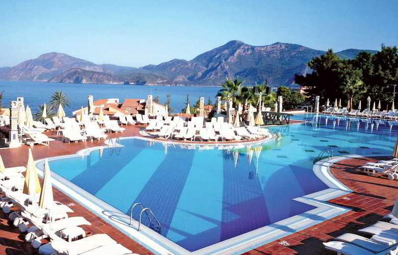 Sentido Lykia Resort  and  Spa - Pool - 4