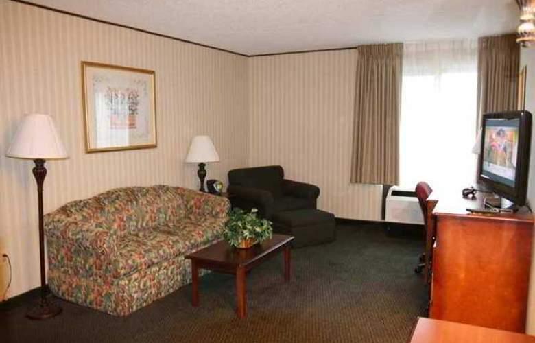 Hampton Inn Carlstadt-At The Meadowlands - Hotel - 6