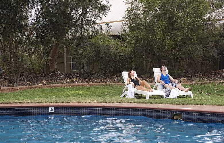 Outback Pioneer Hotel by Voyages - Pool - 6
