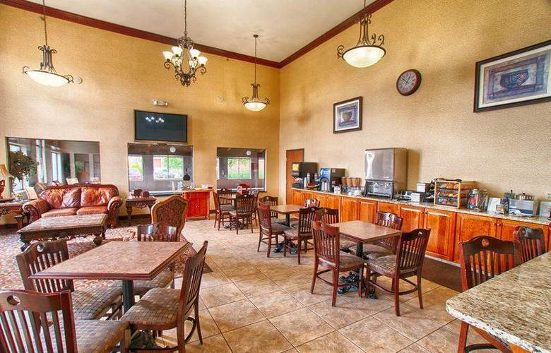 Best Western Plus North Canton Inn & Suites - Restaurant - 61