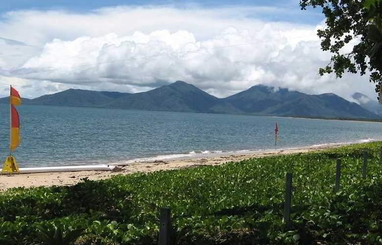 Australis Cairns Beach Resort - Beach - 8