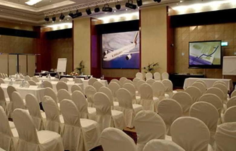 Le Meridien Al Aqah Beach Resort - Conference - 4